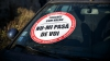 """PIETON LUAT PE CAPOTĂ în centrul Capitalei! """"Şoferul circula cu 100 km/h"""" (VIDEO)"""