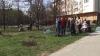 PDM, mai aproape de oameni. Tinerii au vizitat zeci de bătrâni cărora le-au dus pâine și i-au ajutat prin gospodărie