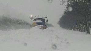 MAȘINI BLOCATE pe șoseaua Chișinău - Cimișlia. Zăpada e mare și nu mai pot înainta (VIDEO)