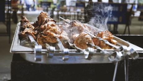 Cât de periculos este să faci grătar în aer liber? Toxinele pot provoca cancer pulmonar sau modificarea ADN
