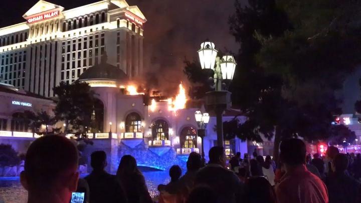 Un incendiu puternic a distrus celebrul hotel Bellagio din Las Vegas (VIDEO)