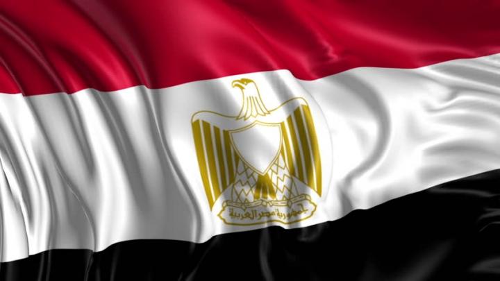 În Egipt au fost decretate trei luni de STARE DE URGENŢĂ în urma celor două explozii