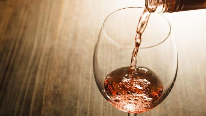Premieră în Moldova! Vinurile autohtone, sub lupa oenologului Nathalie Pouzalgues