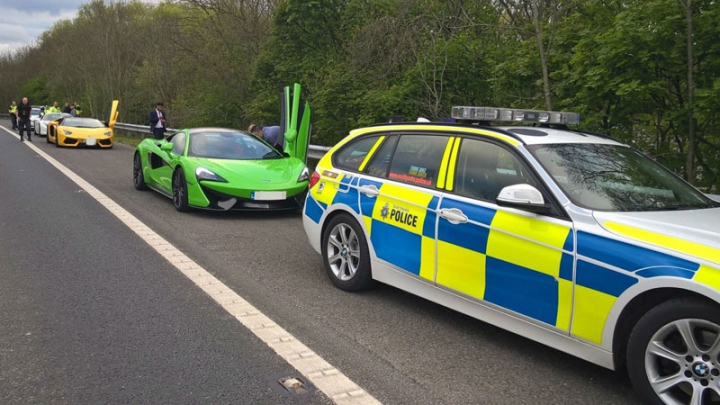 Englezii nu iartă cursele ilegale. Poliția a confiscat trei supercaruri închiriate