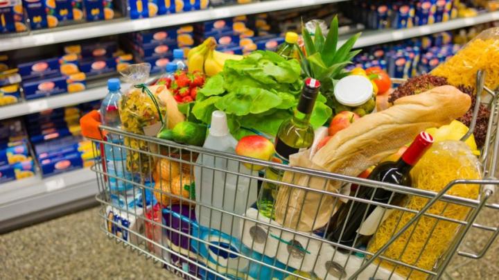 """PRIMA ŢARĂ din Europa care INTERZICE promoţiile de genul """"1 + 1 GRATIS"""" la produsele alimentare"""