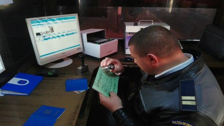 Un moldovean a încercat să treacă frontiera, prezentând o asigurare RCA falsă
