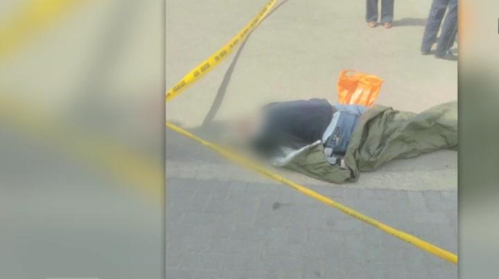 Descoperire MACABRĂ!  Cadavrul unui bărbat a fost găsit pe o stradă din Capitală