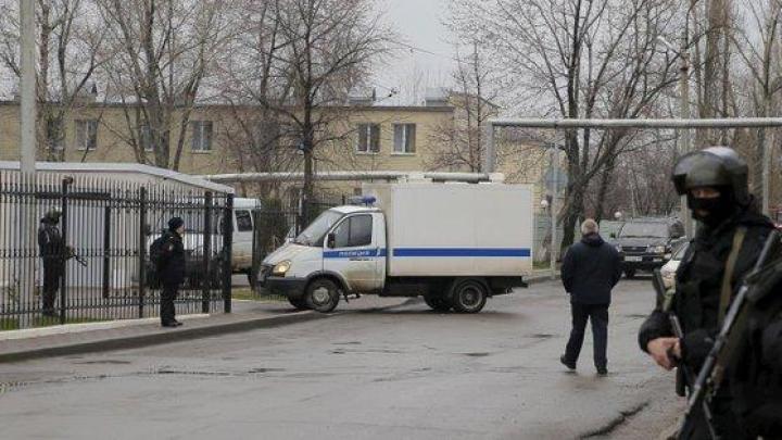 A venit cu grenada la școală. 1 copil a murit iar alți 11 sunt răniți