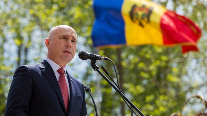 Pavel Filip de Ziua Drapelului de Stat: Tricolorul, un simbol major al suveranităţii şi independenţei noastre