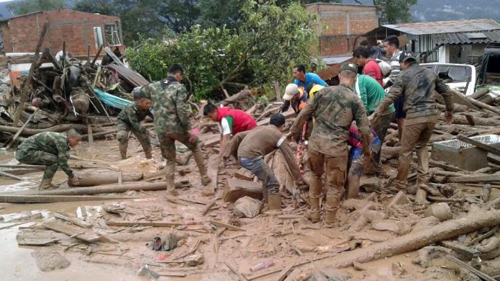 Columbia: 19 oameni au murit și alți șase sunt dați dispăruți în urma unor alunecări de teren