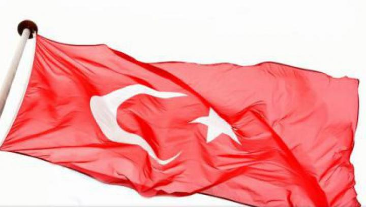 Turcia a încheiat construcția zidului de 556 de kilometri la frontiera cu Siria