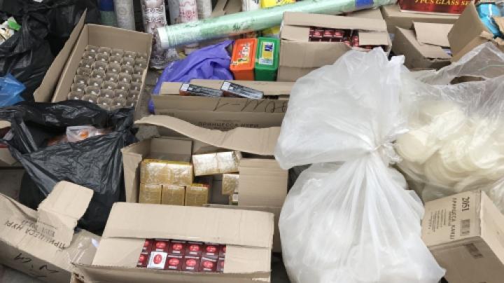 Afacerea unui moldovean, dată peste cap. Poliţia i-a confiscat marfa, în valoare de 250.000 de lei (VIDEO)