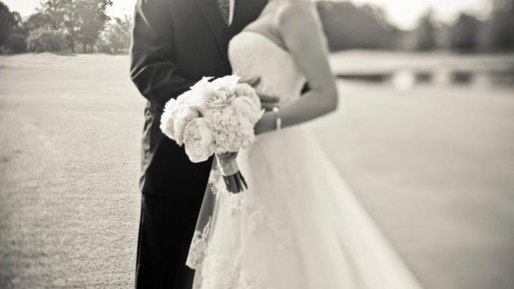 Toți au rămas ULUIȚI! O mireasă a pregătit meniuri diferite pentru invitaţi, în funcţie de valoarea darului de nuntă