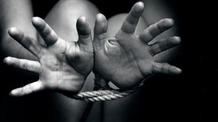 Avertizare ONU: închiderea graniţelor terestre sau maritime nu-i opreşte pe traficanţii de persoane