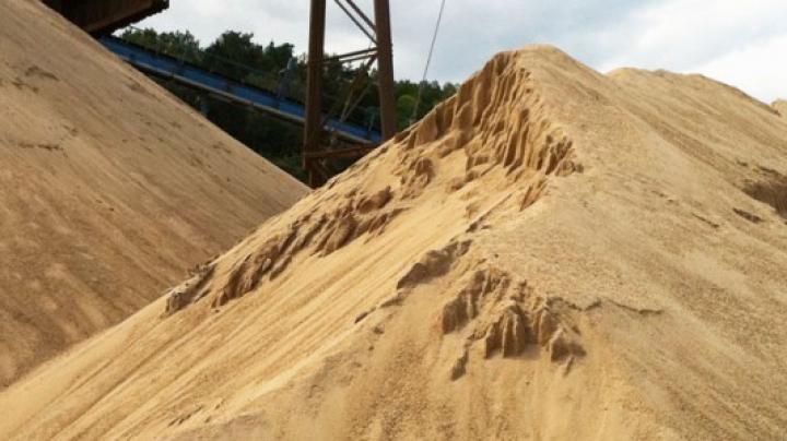 Lumea rămâne fără nisip! MOTIVUL pentru care mai multe ţări au interzis exportul de nisip