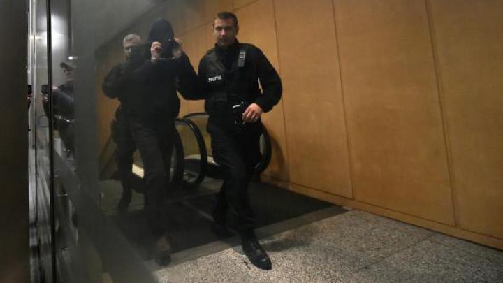 Extremiștii care plănuiau un atac în România, condamnați la puşcărie