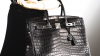 O geantă Hermes Birkin încrustată cu diamante, vândută cu un preț record. Cum arată (FOTO)