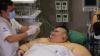 Cel mai gras om de pe Planetă, care cântăreşte 595 kg, a fost operat. Cum se simte bărbatul (VIDEO)