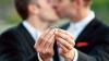 SONDAJ: Câți români ar accepta căsătoriile homosexuale