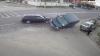 CE SE ÎNTÂMPLĂ atunci când o maşină nu cedează trecerea, alta nu reduce viteza, iar a treia staţionează în curbă (VIDEO)