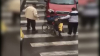 Ai grijă pe cine ajuți. CUM ÎNȘELA un cerșetor trecătorii care îi dădeau bani (VIDEO)