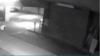 NO COMMENT: Momentul în care o FANTOMĂ apare în parcarea unui bloc (VIDEO)