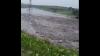 DEZASTRU ÎN ŢARĂ. Zeci de case inundate şi localităţi fără lumină în mai multe raioane (VIDEO)