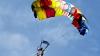 NO COMMENT! Un veteran de război a sărit cu paraşuta la vârsat de 101 ani (VIDEO)