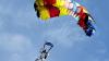 Un bărbat a făcut ISTORIE! A devenit primul om care a sărit cu parașuta dintr-o dronă (VIDEO)
