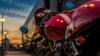 Patru motocicliști înarmați cu ciocane și răngi, surprinși pe stradă când se întorceau de la un jaf