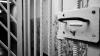 Percheziţii cu VIOLENŢE la Penitenciarul nr. 18. Deţinuţii au opus rezistenţă, iar şase gardieni au fost răniţi