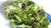 Adevărul ŞOCANT despre salata la pungă! Îţi pui în PERICOL sănătatea