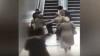 Scene ÎNFIORĂTOARE! Un băiețel a rămas cu picioarele blocate într-o scară rulantă (VIDEO)
