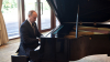 (VIDEO) Vladimir Putin cântă la pian cântece din perioada sovietică