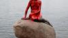 Mica Sirenă din Copenhaga s-a umplut de SÂNGE. Ce s-a întâmplat cu vestitul monument
