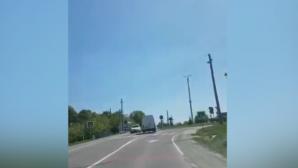 Imagini ŞOCANTE suprinse la Soroca. Un şofer, la un pas să provoace un ACCIDENT ÎNFIORĂTOR (VIDEO)