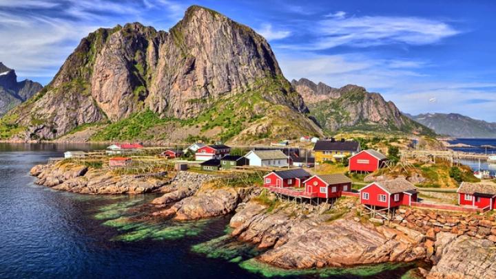 Sunt atât de spectaculoase încât par ireale. Cum arată cele mai frumoase sate din lume (FOTO)