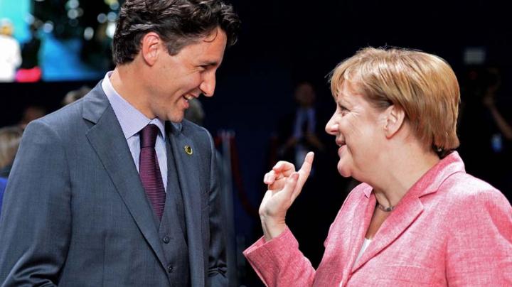 Premierul Canadei UIMEŞTE din nou! Obiectul vestimentar pe care-l purta a cucerit-o pe Angela Merkel (FOTO)