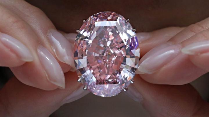 Diamantul care a devenit dorința supremă în lumea celor bogați