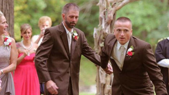 Moment emoţionant. Tatăl miresei a oprit nunta. Invitaţii UIMIŢI, ce a făcut (FOTO)