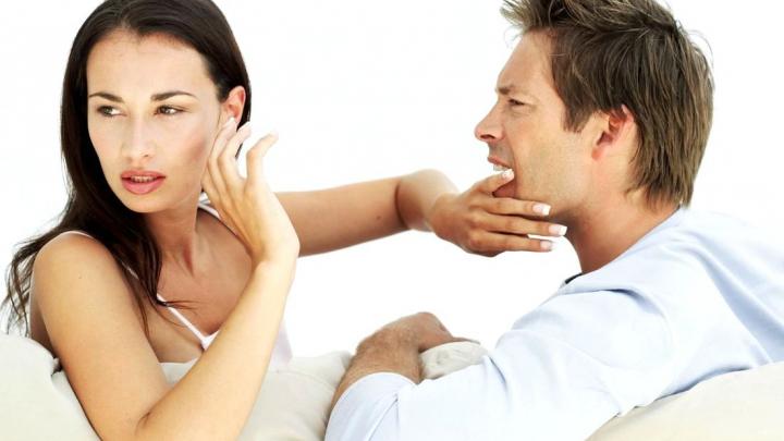 UTIL! Patru atitudini cu care îți sabotezi viața sentimentală şi cum să le corectezi