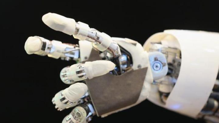 Epoca bătrâneții! Țara care apelează la roboți pentru a acoperi lipsa forței de muncă