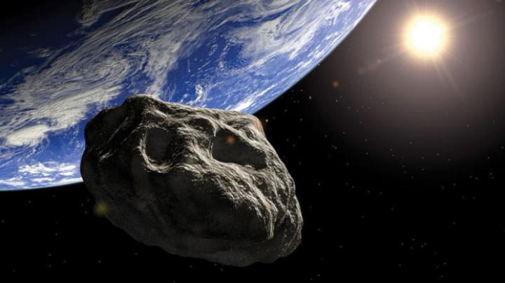 NASA: Cinci asteroizi vor trece foarte aproape de Pământ în următoarele 12 luni