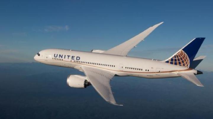 Ce s-a întâmplat DIN GREŞEALĂ cu codurile de acces în cabinele piloților din avioanele United Airlines