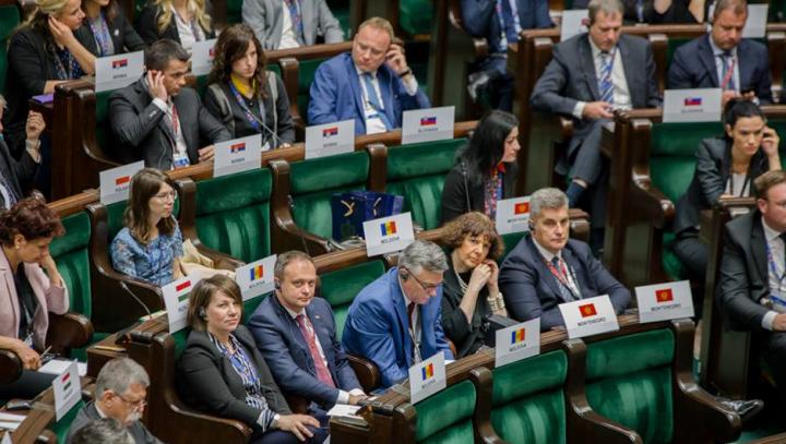 Candu s-a întâlnit cu preşedintele Poloniei şi cu vicemareşalul Seimului. Ce discurs a ţinut şeful Legislativului