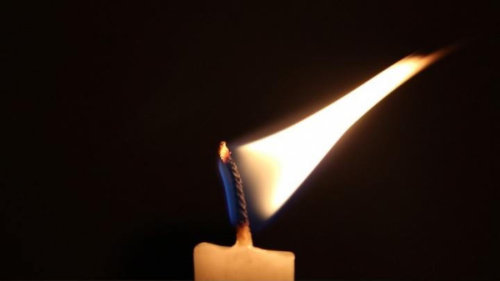 Aprinde o lumânare și urmărește cu atenție cum arde. Focul unei lumânări îţi dezvăluie destinul