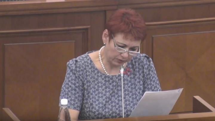 Comisia juridică a propus comasarea proiectelor votului uninominal şi a votului mixt. Deputaţii au ajuns la un COMPROMIS LARG