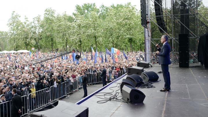 Sondaj: Cetăţenii au mai multă încredere în Vlad Plahotniuc decât în Voronin şi Greceanîi
