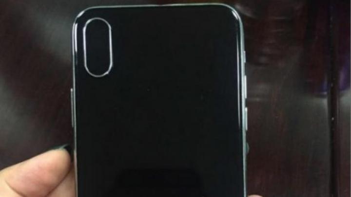 Matrițele iPhone 8, iPhone 7s și iPhone 7s Plus, publicate pe internet. Cum vor arăta telefoanele