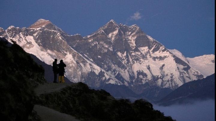 Un nou RECORD de escaladare a Everestului. TIMPUL INCREDIBIL în care un spaniol a cucerit cel mai înalt munte din lume